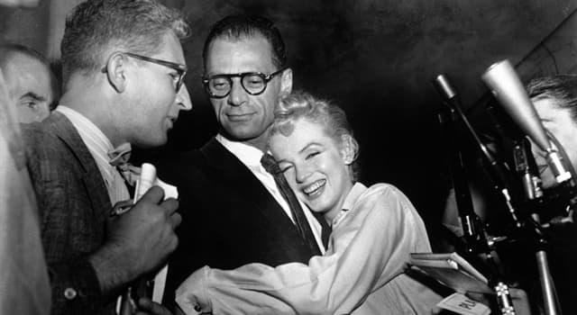 Películas Pregunta Trivia: ¿Qué película de 1960 fue escrita por Arthur Miller y protagonizada por su esposa Marilyn Monroe?