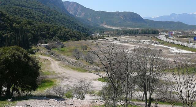 Historia Pregunta Trivia: ¿Qué historiador griego relata la muerte de Leónidas y los 300 en el paso de las Termópilas ante el ejército persa?