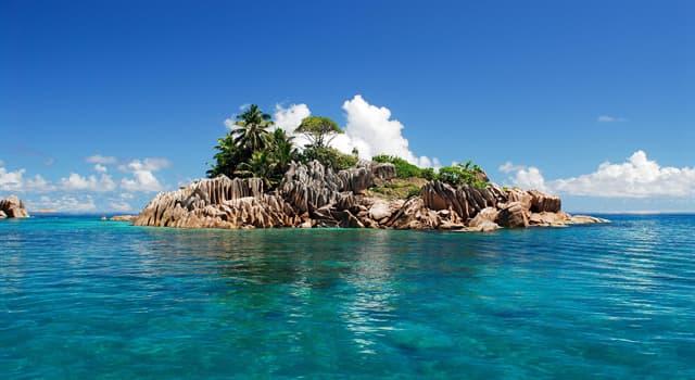 Географія Запитання-цікавинка: Чим знаменитий острів Пасхи?
