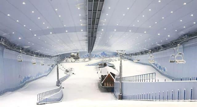 Deporte Pregunta Trivia: ¿Dónde se encuentra el complejo de esquí bajo techo más grande del mundo?