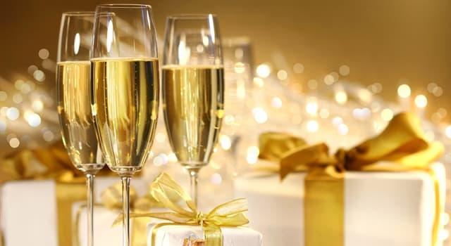 Суспільство Запитання-цікавинка: Як називаються келихи для шампанського (на фото)?