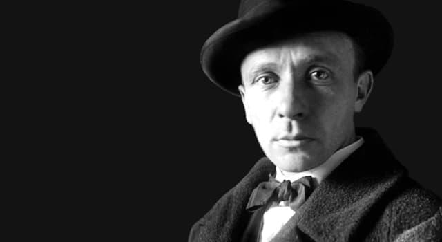 Культура Запитання-цікавинка: Як називається перший роман, написаний Михайлом Булгаковим?