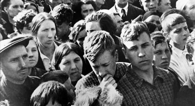 Історія Запитання-цікавинка: Хто виступив по радіо з офіційним зверненням до громадян, повідомивши про напад Німеччини на СРСР?
