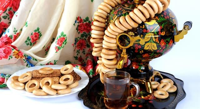Культура Запитання-цікавинка: До появи в Росії чаю, який напій був єдиним гарячим напоєм, який готували в самоварах?
