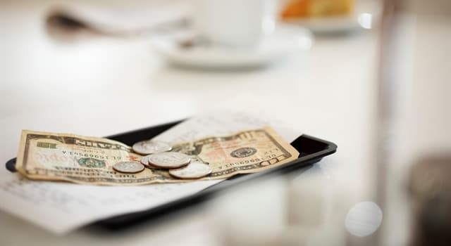 Kultur Wissensfrage: In welchem Land gilt das Trinkgeld als Beleidigung?