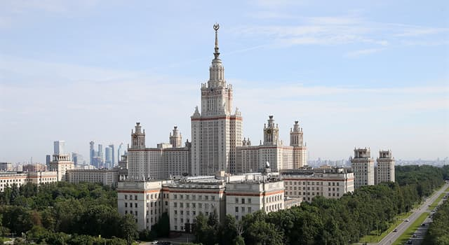 Історія Запитання-цікавинка: Який вчений став ініціатором відкриття Московського університету в 1755 році?