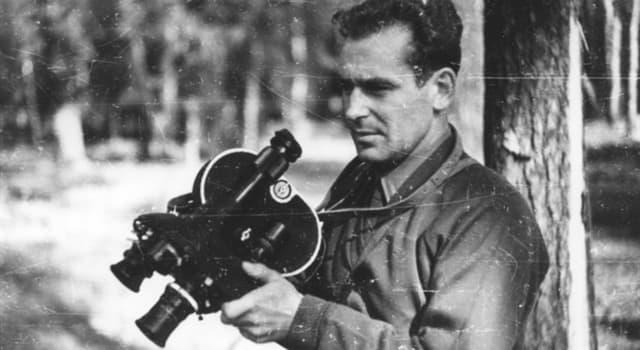 Історія Запитання-цікавинка: Хто зробив першу фото і відеозйомку в космосі?