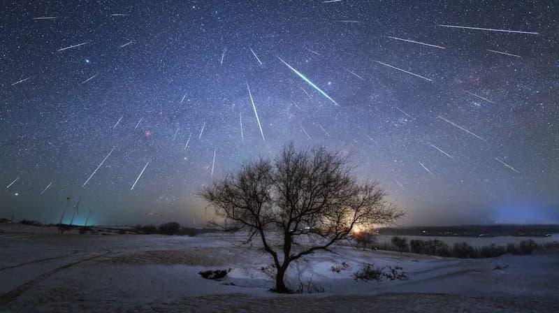Wissenschaft Wissensfrage: Welches nächtliche Himmelsereignis ist auf dem Foto dargestellt?