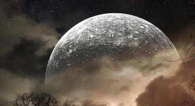 historia Pytanie-Ciekawostka: Która z opcji poprawnie określa status prawny roszczeń własności powierzchni Księżyca?