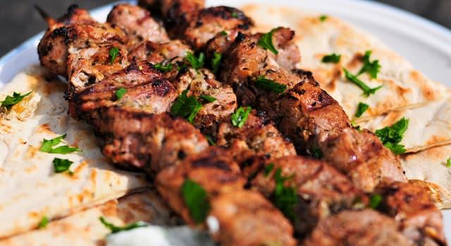 Культура Запитання-цікавинка: Що з перерахованого означає: невеликі шашлички на дерев'яних шпажках, типові для грецької кухні?
