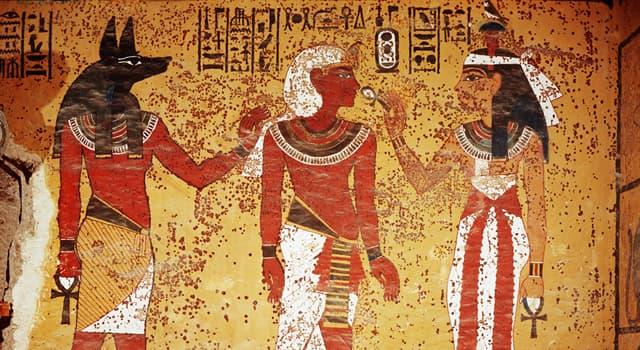 Культура Запитання-цікавинка: Єгипетський бог Гор зображувався у вигляді кого?