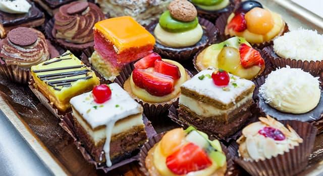 Культура Запитання-цікавинка: Яке популярне всім знайоме тістечко придумали для того, щоб економити продукти?