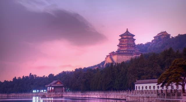 Kultur Wissensfrage: Welche Farbe hat das traditionelle Hochzeitskleid in China?