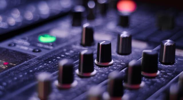 Kultur Wissensfrage: Welche Musikgruppe hat ihren Grammy wegen Lippensynchronisation verloren?