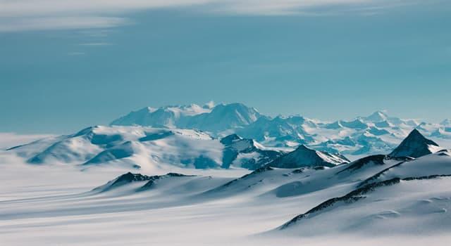 Natur Wissensfrage: Welcher Kontinent ist vollständig mit Eis bedeckt?