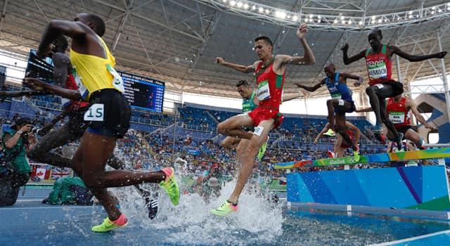 sport Pytanie-Ciekawostka: W którym kraju włączono bieg przez płotki do zawodów lekkoatletycznych?