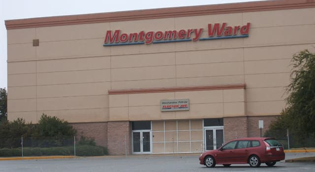 Kultura Pytanie-Ciekawostka: Jaki bohater po raz pierwszy pojawił się w broszurce dla sieci sklepów Montgomery Ward?