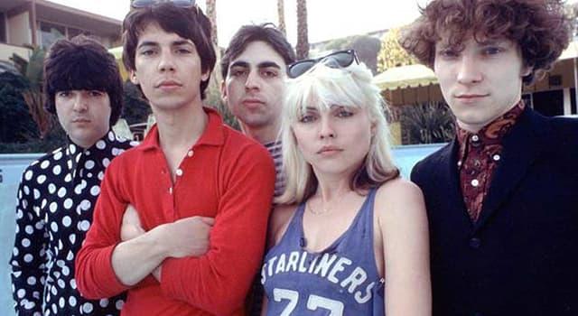 """Geschichte Wissensfrage: Wer war die Leadsängerin der Band """"Blondie""""?"""