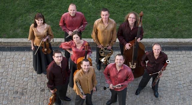 Kultura Pytanie-Ciekawostka: Jak nazywa się grupa muzyczna składająca się z dziewięciu osób?