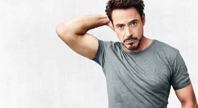 Filmy Pytanie-Ciekawostka: Jaką niemą gwiazdę filmową zagrał Robert Downey Jr. w 1992 roku?