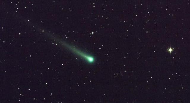 nauka Pytanie-Ciekawostka: Kiedy kometa Halleya będzie widoczna gołym okiem?