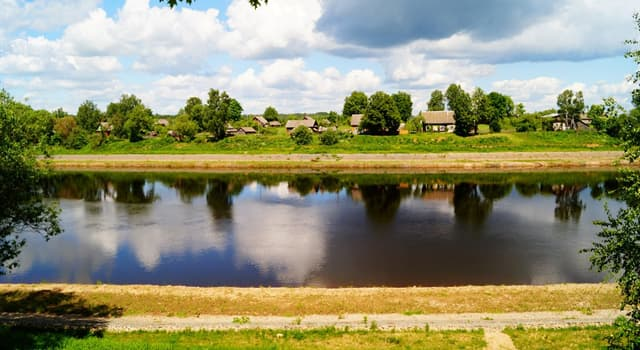 Географія Запитання-цікавинка: Західна Двіна - річка, яка при перетині білорусько-латвійського кордону змінює ім'я на яке?
