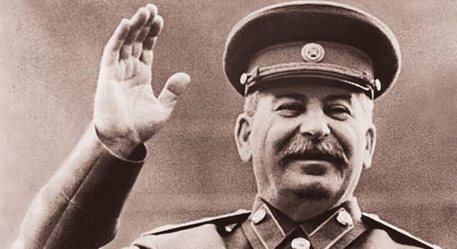 Geschichte Wissensfrage: Was ist der richtige Nachname von Josef Stalin?