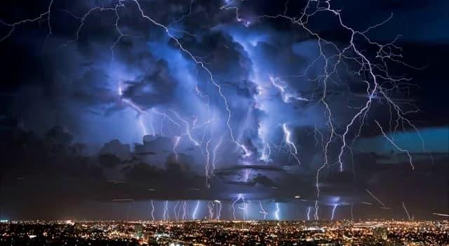"""Natur Wissensfrage: Welches Land ist durch """"Catatumbo-Gewitter"""" bekannt?"""