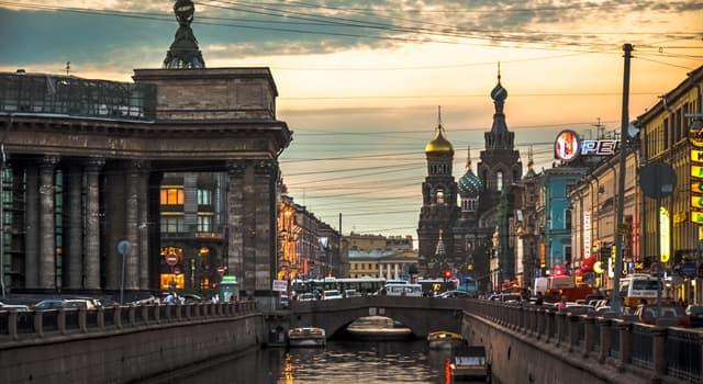 Geschichte Wissensfrage: Wie lange war Sankt Petersburg die Hauptstadt Russlands?