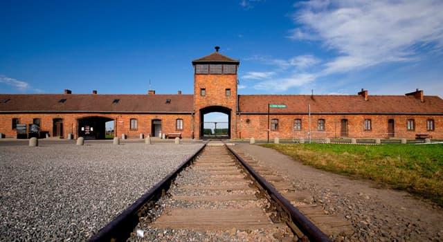 historia Pytanie-Ciekawostka: Kiedy wyzwolono obóz koncentracyjny Auschwitz?