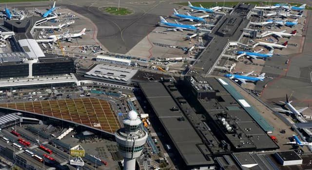 Geografia Pytanie-Ciekawostka: W którym mieście europejskim znajduje się lotnisko Schiphol?