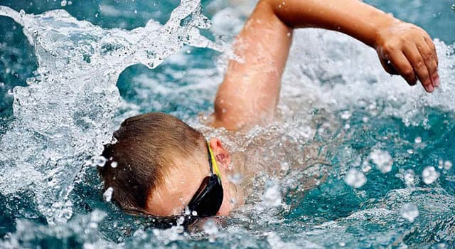 sport Pytanie-Ciekawostka: Który pływak jako pierwszy przekroczył barierę jednominutową dla 100-metrowego freestyle?
