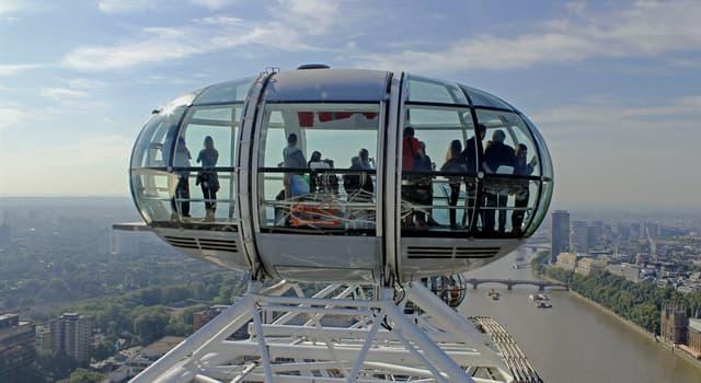 """społeczeństwo Pytanie-Ciekawostka: Ile kapsuł pasażerskich ma koło obserwacyjne """"London Eye""""?"""