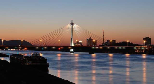 Geographie Wissensfrage: In welches Gewässer mündet die Donau?
