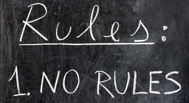społeczeństwo Pytanie-Ciekawostka: Jak nazywa się filozofia, która opowiada się za samorządami opartymi na dobrowolnych instytucjach?