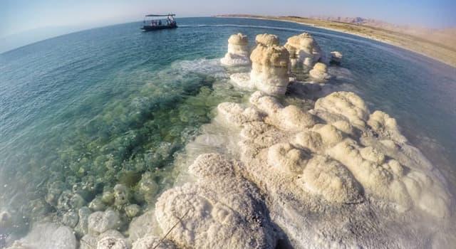 Geografia Pytanie-Ciekawostka: Ile metrów poniżej poziomu morza jest położona tafla Morza Martwego?