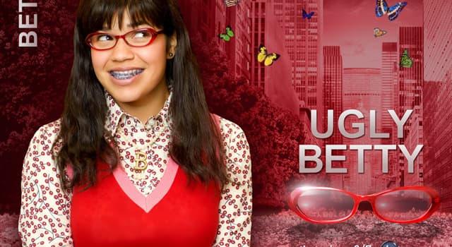 """Filmy Pytanie-Ciekawostka: W amerykańskim serialu """"Brzydula Betty"""", dla którego magazyn mody pracowała Betty?"""