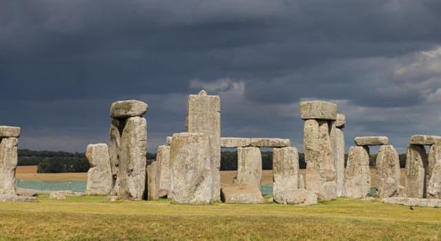 Geografia Pytanie-Ciekawostka: W jakim kraju znajduje się Stonehenge?