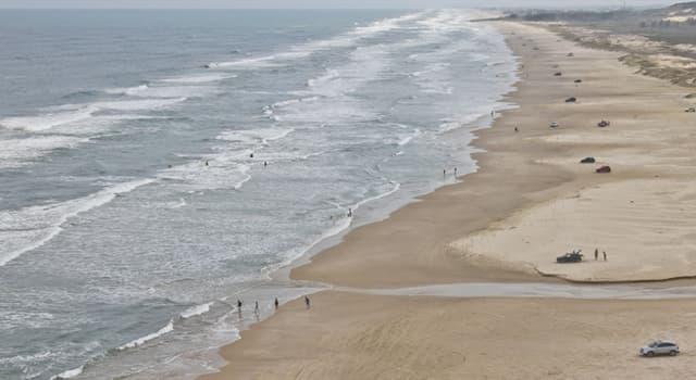 Geografia Pytanie-Ciekawostka: W którym kraju znajduje się najdłuższa plaża na świecie, która liczy ponad 210 km długości?