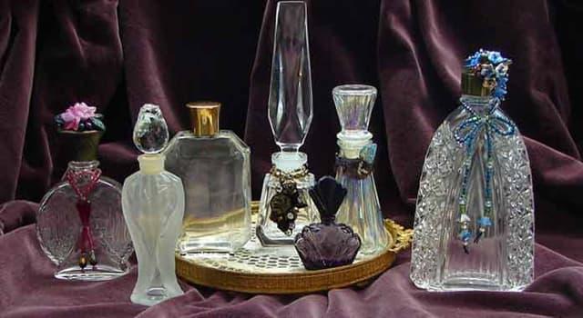 """Gesellschaft Wissensfrage: Welche berühmte Persönlichkeit hat ihr eigenes Parfüm namens """"White Diamonds"""" hergestellt?"""