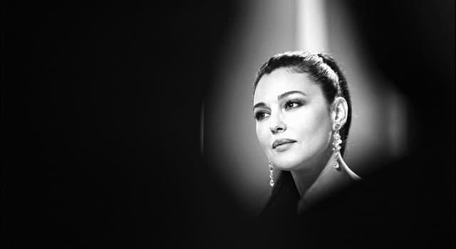 Фільми та серіали Запитання-цікавинка: Яка актриса зображена на фото?