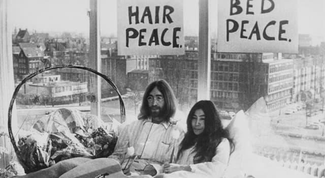 """historia Pytanie-Ciekawostka: Kto powiedział: """"pokój dla naszych czasów""""?"""