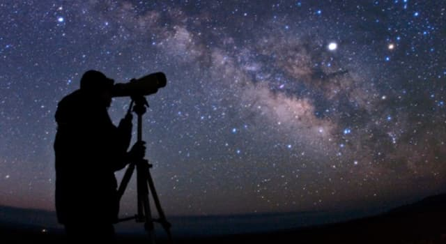 historia Pytanie-Ciekawostka: Który z tych słynnych matematyków/astronomów miał srebrny nos?