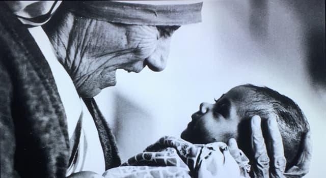 historia Pytanie-Ciekawostka: W jakim roku Matka Teresa otrzymała Pokojową Nagrodę Nobla?