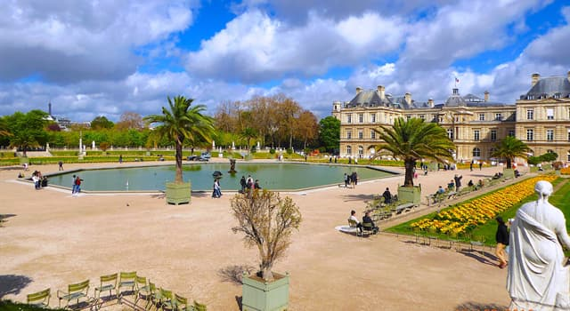 """History Trivia Question: Which French queen created the """"Jardin du Luxembourg""""?"""