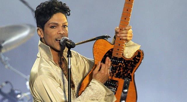 """Kultur Wissensfrage: Wie viele Musikinstrumente spielte Prince auf seinem ersten Album """"For You"""" (1978)?"""