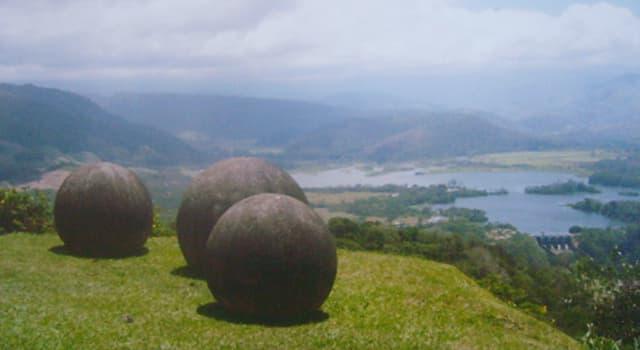 Kultur Wissensfrage: Wo kann man diese Steinkugeln sehen?