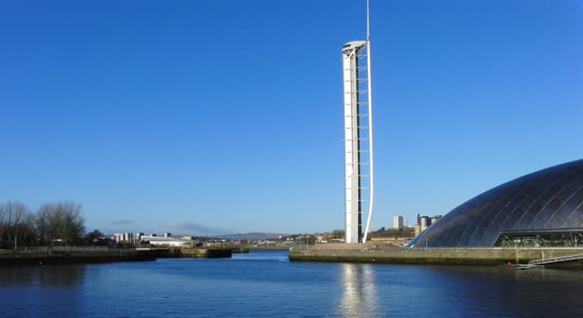 Gesellschaft Wissensfrage: Wofür hat der Glasgow Tower seinen Platz im Guinness-Buch der Weltrekord erhalten?