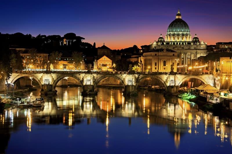 Cultura Pregunta Trivia: ¿Cuál fué el primer papa que no residió en Roma?