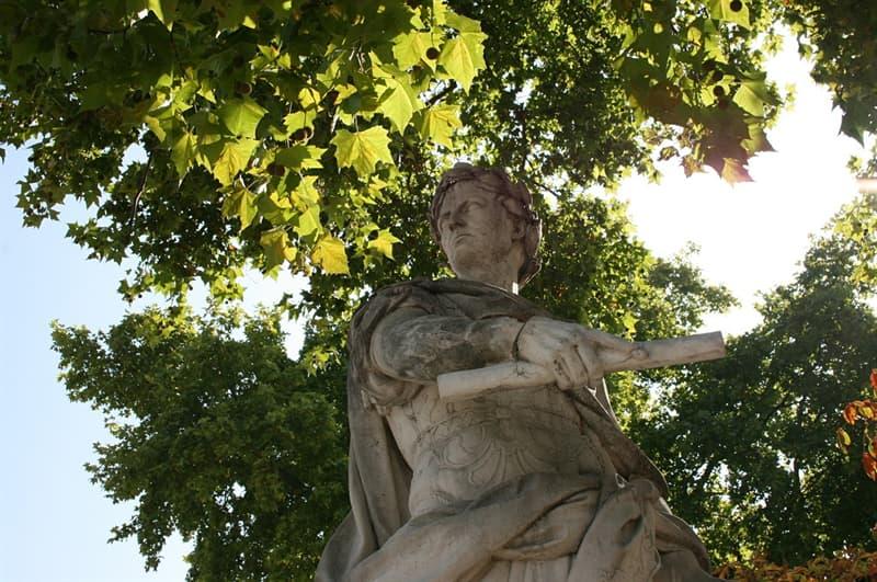 Historia Pregunta Trivia: ¿En qué año iniciaba su cuenta el Calendario Juliano, que precedió al Gregoriano actualmente en uso?